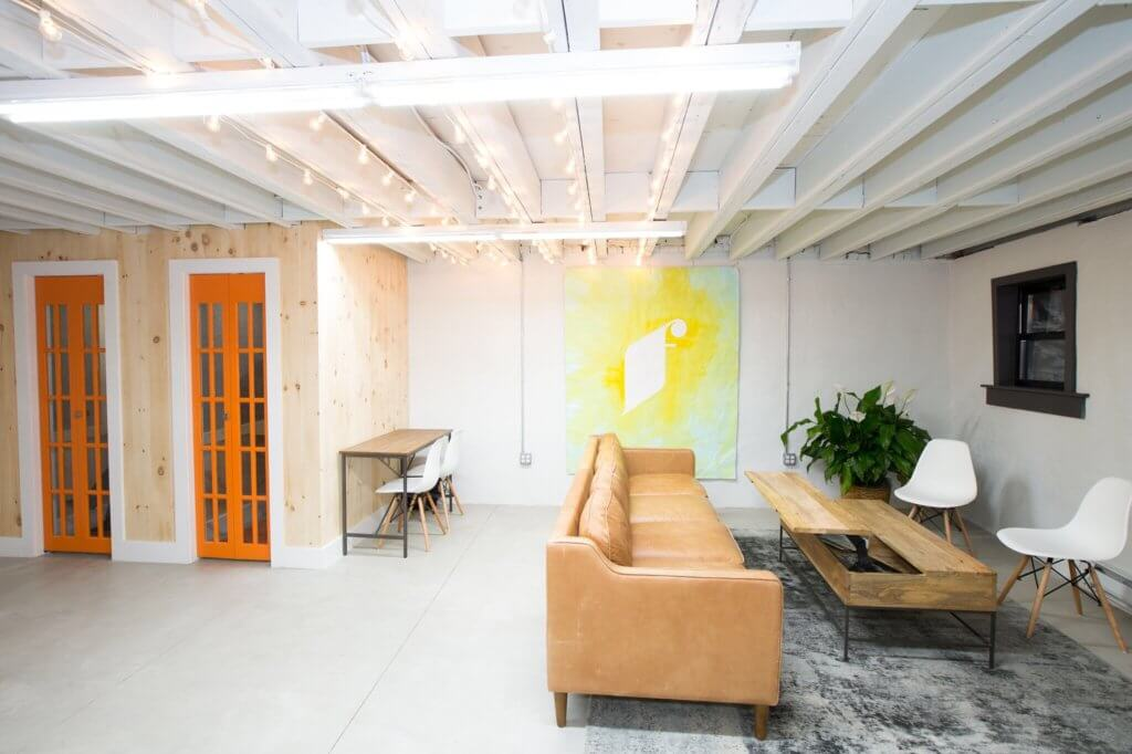 Founders-Workspace-Bold-Patents-Coworking-Spaces-in-Brooklyn-New-York-Lobby