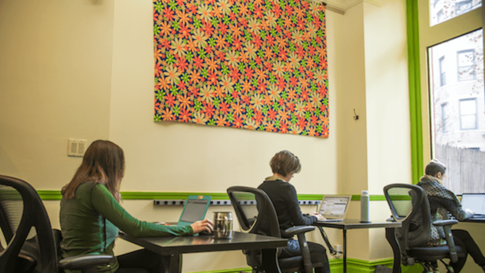 Park-Slope-Desk-Bold-Patents-Booklyn-Coworking-Spaces-Quiet-Area