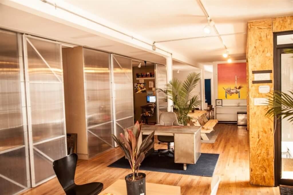 Workspace-Williamsburg-Bold-Patents-Coworking-Brooklyn-Meeting-Room